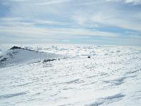 Etna, 3343 m. Dalla base del cratere Centrale, bellissima vista su Torre del Filosofo, 2920 m.